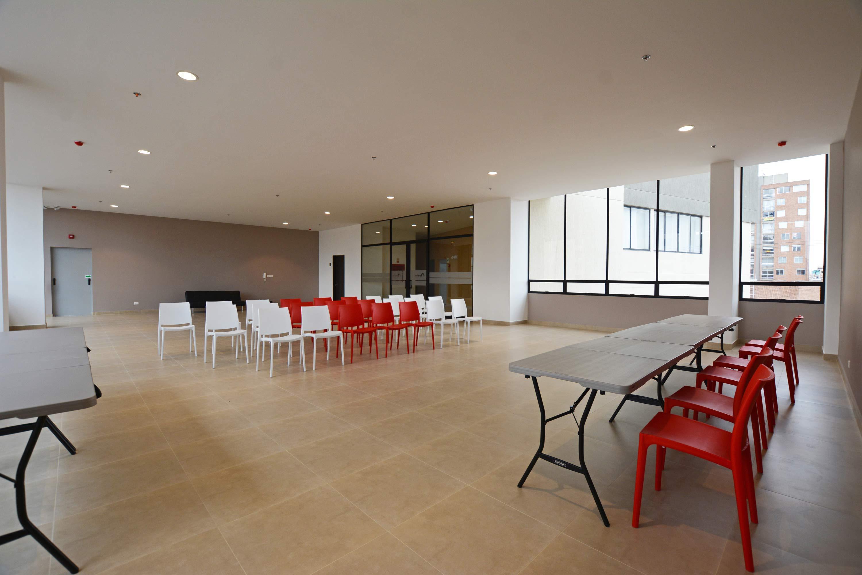 Oeste-de-granada-apartamentos-calle-80-portal-venta-vivienda-nueva-bogota-3-habitaciones-dos-baños-torortiz-casas-lotes-Render-Porteria